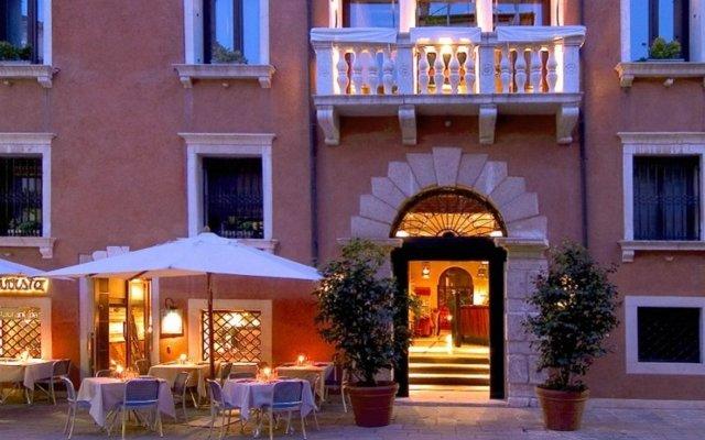 Отель Ca Pisani Hotel Италия, Венеция - отзывы, цены и фото номеров - забронировать отель Ca Pisani Hotel онлайн вид на фасад