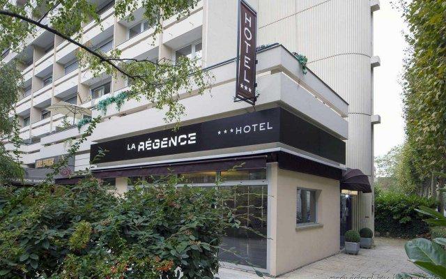 Отель Le Regence Париж вид на фасад