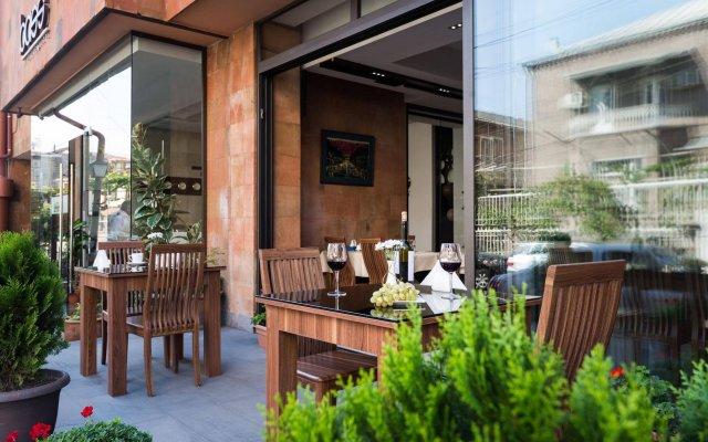 Отель Bass Boutique Hotel Армения, Ереван - 1 отзыв об отеле, цены и фото номеров - забронировать отель Bass Boutique Hotel онлайн вид на фасад