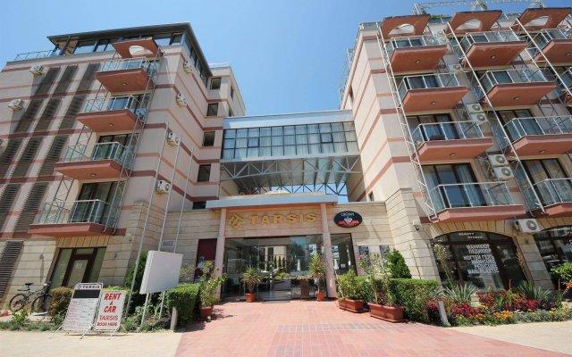 Отель Menada Tarsis Apartments Болгария, Солнечный берег - отзывы, цены и фото номеров - забронировать отель Menada Tarsis Apartments онлайн вид на фасад