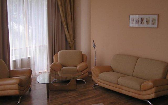 Гостиница Жемчужина в Саратове 7 отзывов об отеле, цены и фото номеров - забронировать гостиницу Жемчужина онлайн Саратов комната для гостей