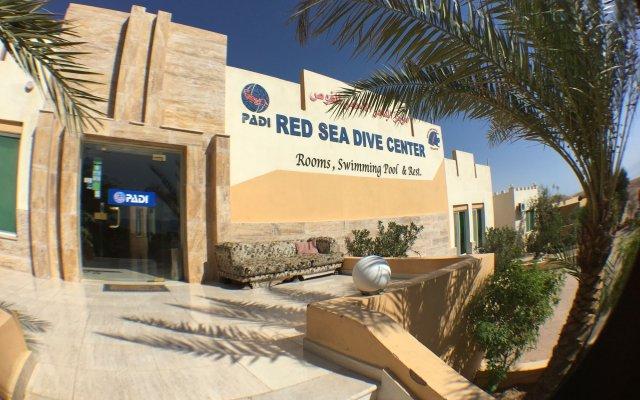 Отель Red Sea Dive Center вид на фасад