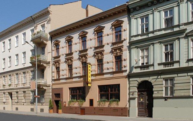 Hotel Arte Брно вид на фасад