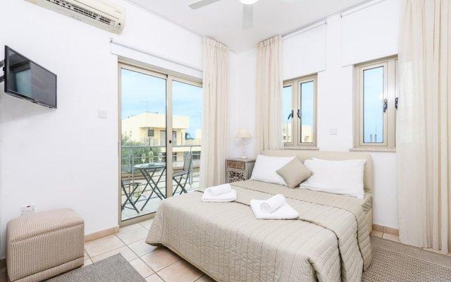 Отель Sunrise Bay Villa #3 комната для гостей