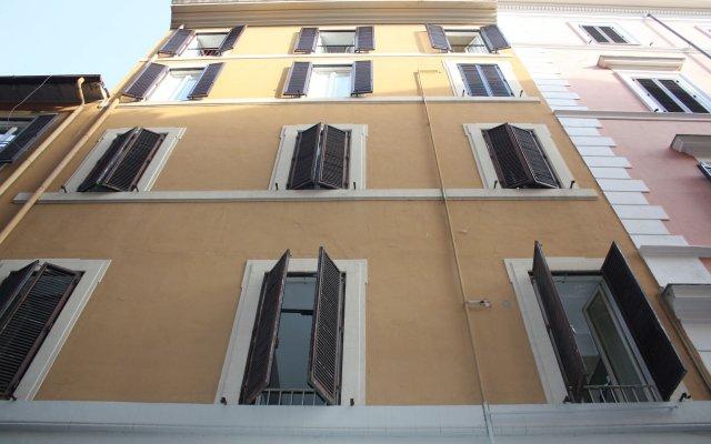 Отель Home In Rome Trevi вид на фасад