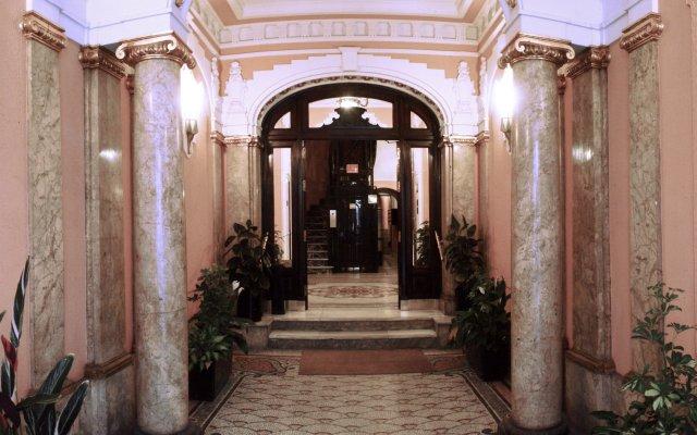 Отель Hostal Santillan Испания, Мадрид - отзывы, цены и фото номеров - забронировать отель Hostal Santillan онлайн вид на фасад