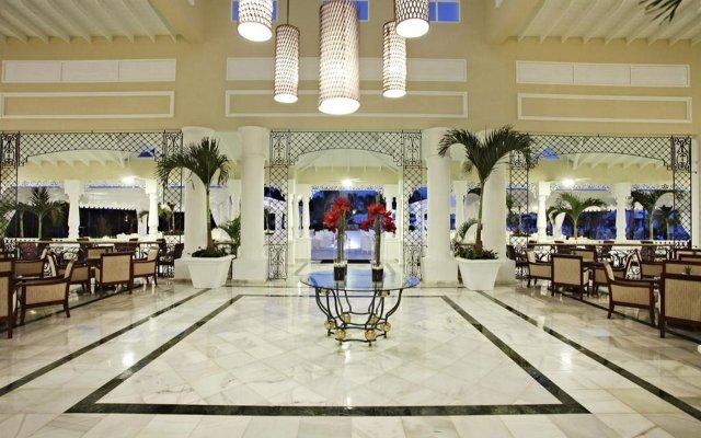 Отель Grand Bahia Principe Aquamarine вид на фасад