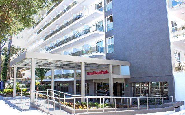 Hotel Oasis Park вид на фасад