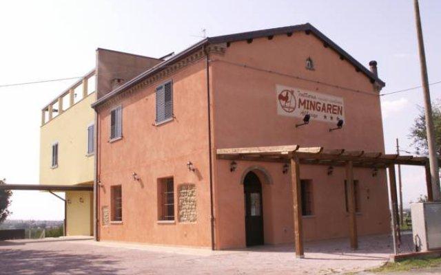 Отель Trattoria Mingaren Albergo Бертиноро вид на фасад