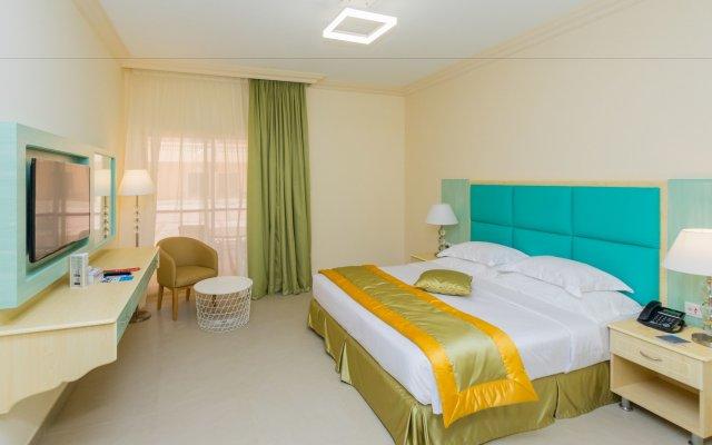 Отель Beach Resort by Bin Majid Hotels & Resorts комната для гостей