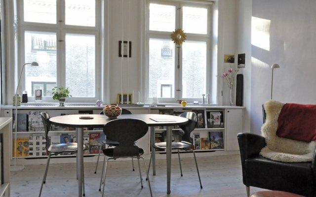 Отель 1 bedroom apt Close To Christiania 308-1 Дания, Копенгаген - отзывы, цены и фото номеров - забронировать отель 1 bedroom apt Close To Christiania 308-1 онлайн гостиничный бар