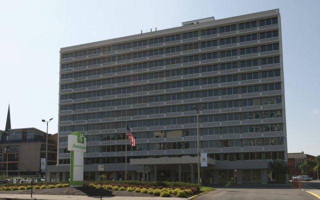 Отель Holiday Inn Columbus Dwtn-Capitol Square Колумбус вид на фасад