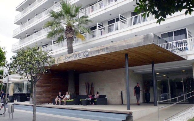 Отель JS Sol de Alcudia вид на фасад