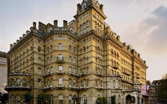 Отель The Langham, London вид на фасад
