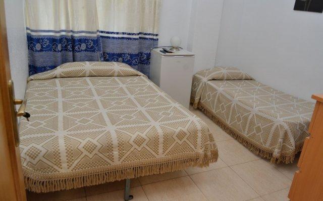 Отель Pensión Ayuntamiento Испания, Аликанте - отзывы, цены и фото номеров - забронировать отель Pensión Ayuntamiento онлайн комната для гостей