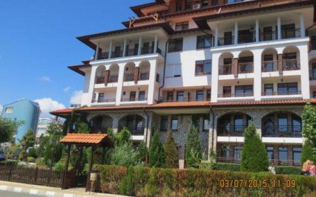 Отель Etara 3 ApartComplex Свети Влас вид на фасад