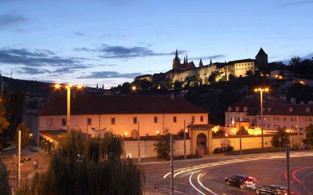 Отель Trinidad Prague Castle Прага вид на фасад
