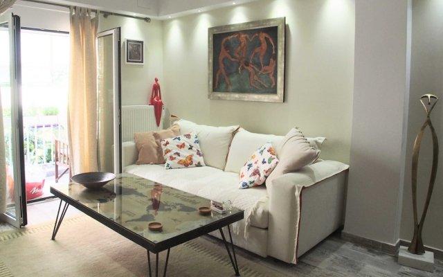 Отель Style Comfort 8min to Acropolis Museum Афины комната для гостей