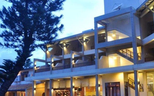 Отель Laya Beach вид на фасад