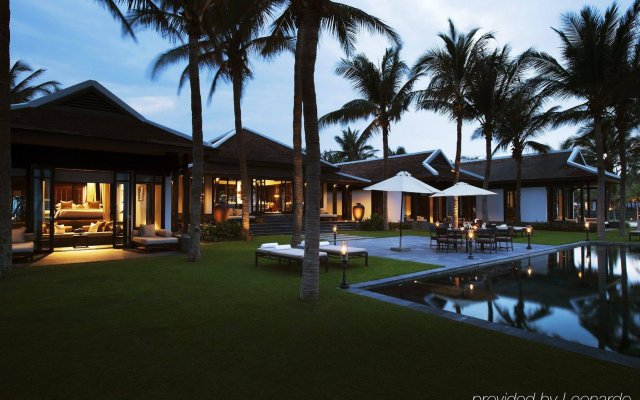 Отель Four Seasons Resort The Nam Hai, Hoi An, Vietnam вид на фасад
