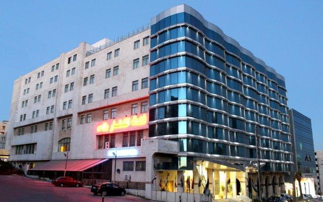 Al Fanar Palace Hotel and Suites вид на фасад