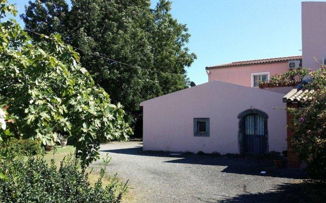 Отель Villa Hibiscus Джардини Наксос вид на фасад