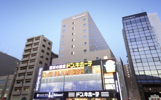 Richmond Hotel Tokyo Suidobashi вид на фасад