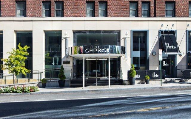 Kimpton George Hotel вид на фасад