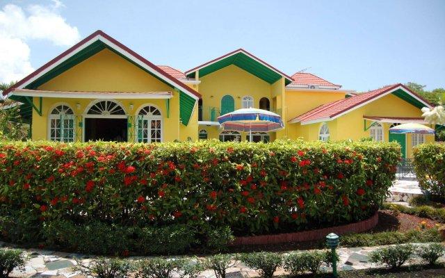 Отель Villa Sonate Ямайка, Ранавей-Бей - отзывы, цены и фото номеров - забронировать отель Villa Sonate онлайн вид на фасад