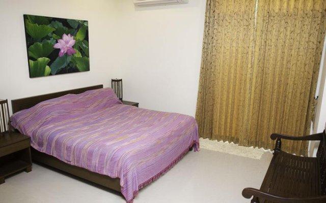 Отель Loran villa комната для гостей