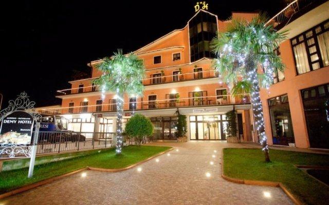 Отель Demy Hotel Италия, Аулла - отзывы, цены и фото номеров - забронировать отель Demy Hotel онлайн вид на фасад