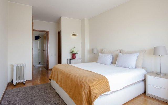 Отель Liiiving in Porto - Sea & River View комната для гостей