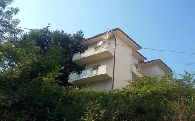Отель With 2 Bedrooms in Rocca San Giovanni, With Wonderful sea View and Furnished Balcony Италия, Рокка-Сан-Джованни - отзывы, цены и фото номеров - забронировать отель With 2 Bedrooms in Rocca San Giovanni, With Wonderful sea View and Furnished Balcony онлайн вид на фасад