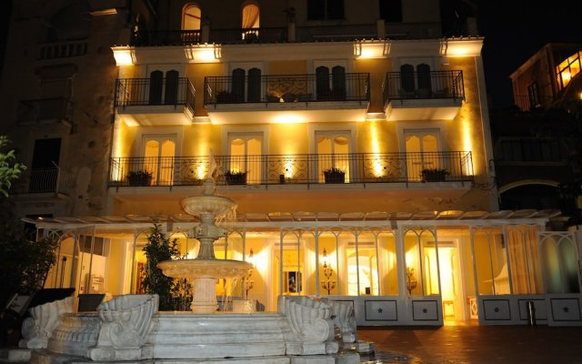 Hotel Villa Fraulo Равелло вид на фасад