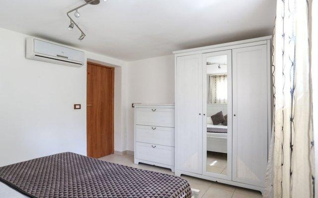 Отель Jerry's Apartment Италия, Маргера - отзывы, цены и фото номеров - забронировать отель Jerry's Apartment онлайн комната для гостей