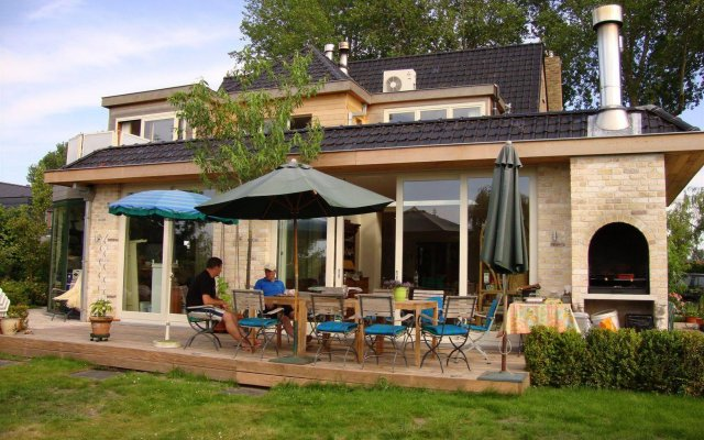 Le Coquin Bed & Breakfast 0
