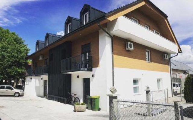 Отель Guesthouse Aleš вид на фасад