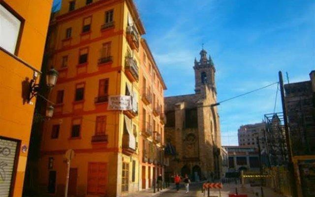 Апартаменты Sampedor Apartment Валенсия вид на фасад