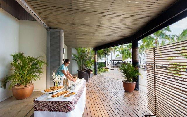 DoubleTree Resort by Hilton Hotel Fiji - Sonaisali Island вид на фасад