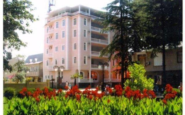 Гостиница Гостевой дом Империя в Сочи отзывы, цены и фото номеров - забронировать гостиницу Гостевой дом Империя онлайн вид на фасад