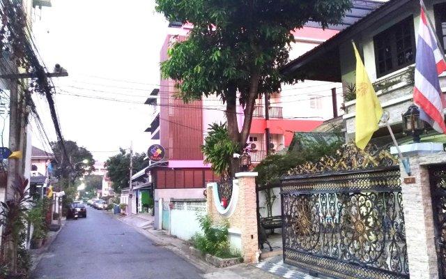 Отель Puzzle DonMuang Бангкок вид на фасад