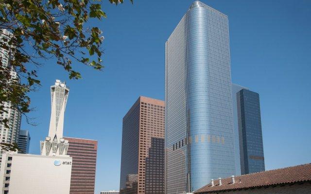 Отель Sunshine Suites At Main St США, Лос-Анджелес - отзывы, цены и фото номеров - забронировать отель Sunshine Suites At Main St онлайн вид на фасад