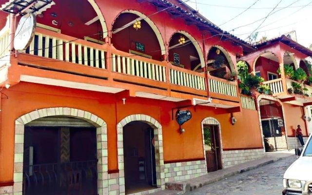 Отель Marjenny Гондурас, Копан-Руинас - отзывы, цены и фото номеров - забронировать отель Marjenny онлайн вид на фасад