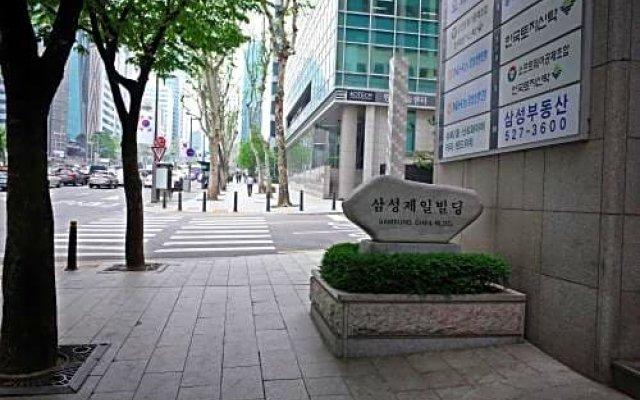 YaKorea Hostel Gangnam вид на фасад