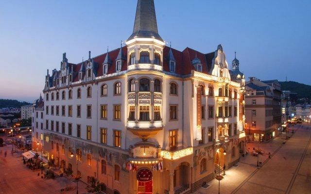 Отель Grandhotel Ambassador - Narodni Dum Карловы Вары вид на фасад