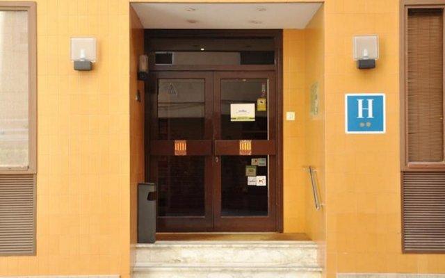 Отель Alguer Camp Nou Испания, Барселона - отзывы, цены и фото номеров - забронировать отель Alguer Camp Nou онлайн вид на фасад