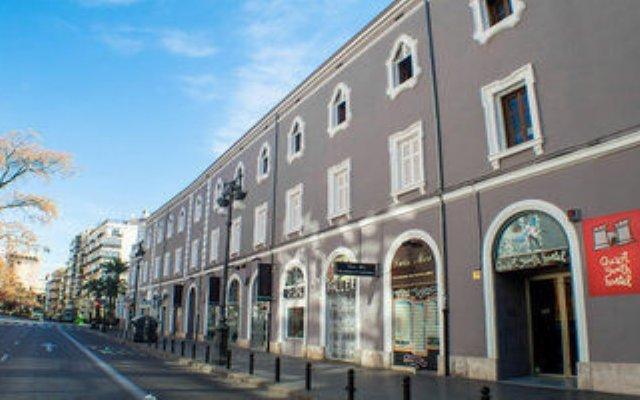 Quart Youth Hostel Валенсия вид на фасад