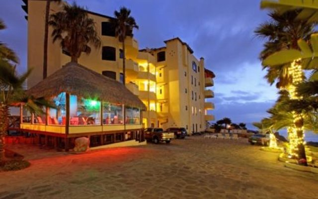 Отель Rosarito Luxury Penthouse Bobby's by the Sea вид на фасад