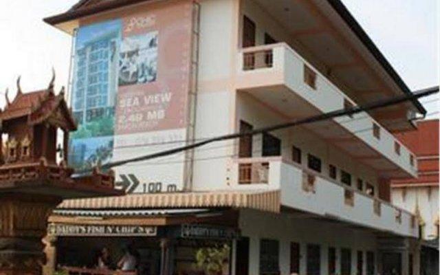 Отель Guesthouse @ Karon вид на фасад