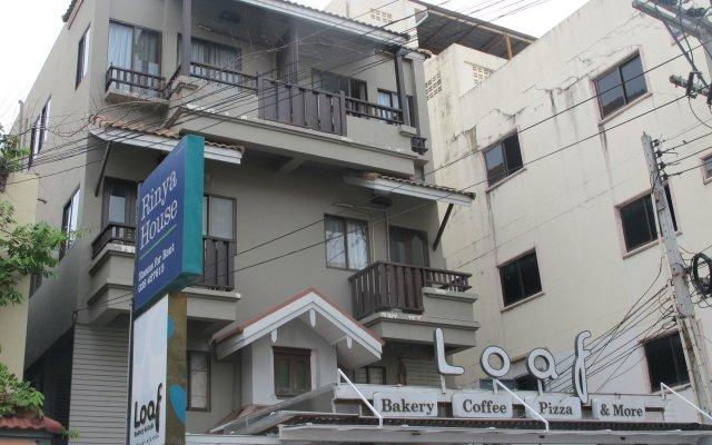 Отель Rinya House вид на фасад